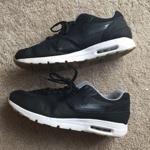 Nike Air Max Black Moiré Size 11.5 Womens